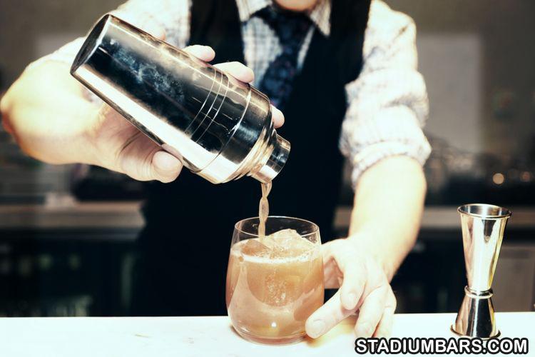 Peran Peracik Minuman Bartender Di Sport Bars